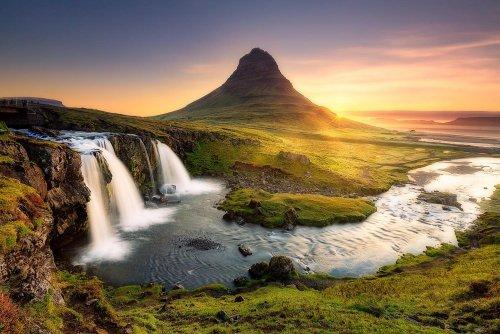 Kirkjufellfoss, Iceland.jpg