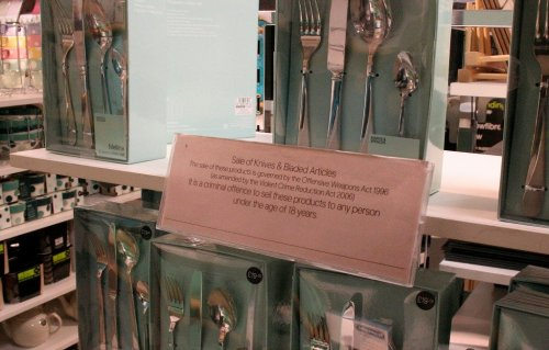 banned knives.jpg