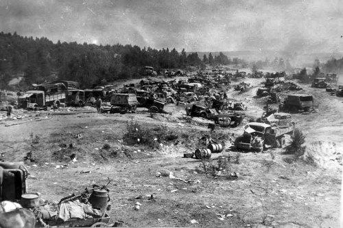 194407_abandoned_german_vehicles_belarus_revised.thumb.jpg.e3c739a6fd4df6dac284f75041dafc83.jpg